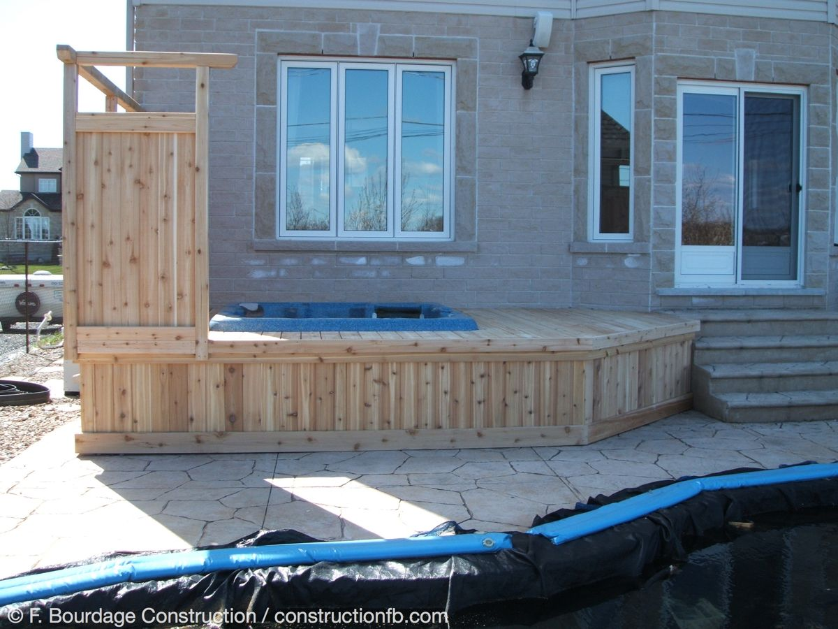 Wooden deck around hot tub, Riverside South (Ottawa), F. Bourdage Construction